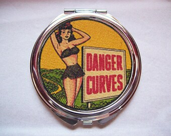 pin up girl compact retro Fifties vintage rockabilly purse mirror kitsch