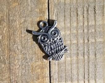 Antique Silver Large Owl 21mm Set of 4