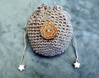 Item 12d - small pouch