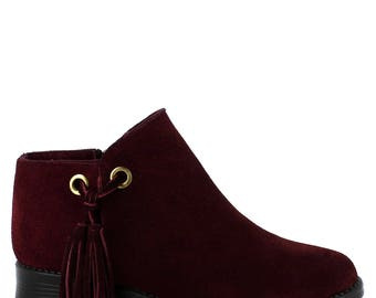 A comfy Abigail ankle boot in burgundy