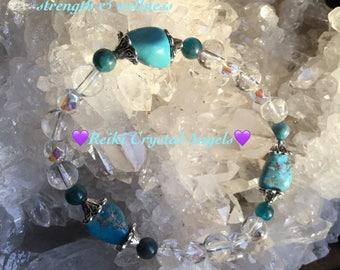 Kingman Turquoise, Apatite & crystal quartz stretch bracelet