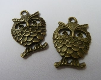2 Bronze Happy Owls Charms