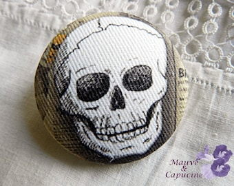 Fabric button, printed death's head,  0.94 in / 24 mm