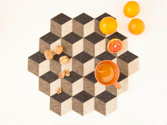 Large table mat / wool felt / dark grey / geometric mat / stylish table mat / handmade / made in Italy