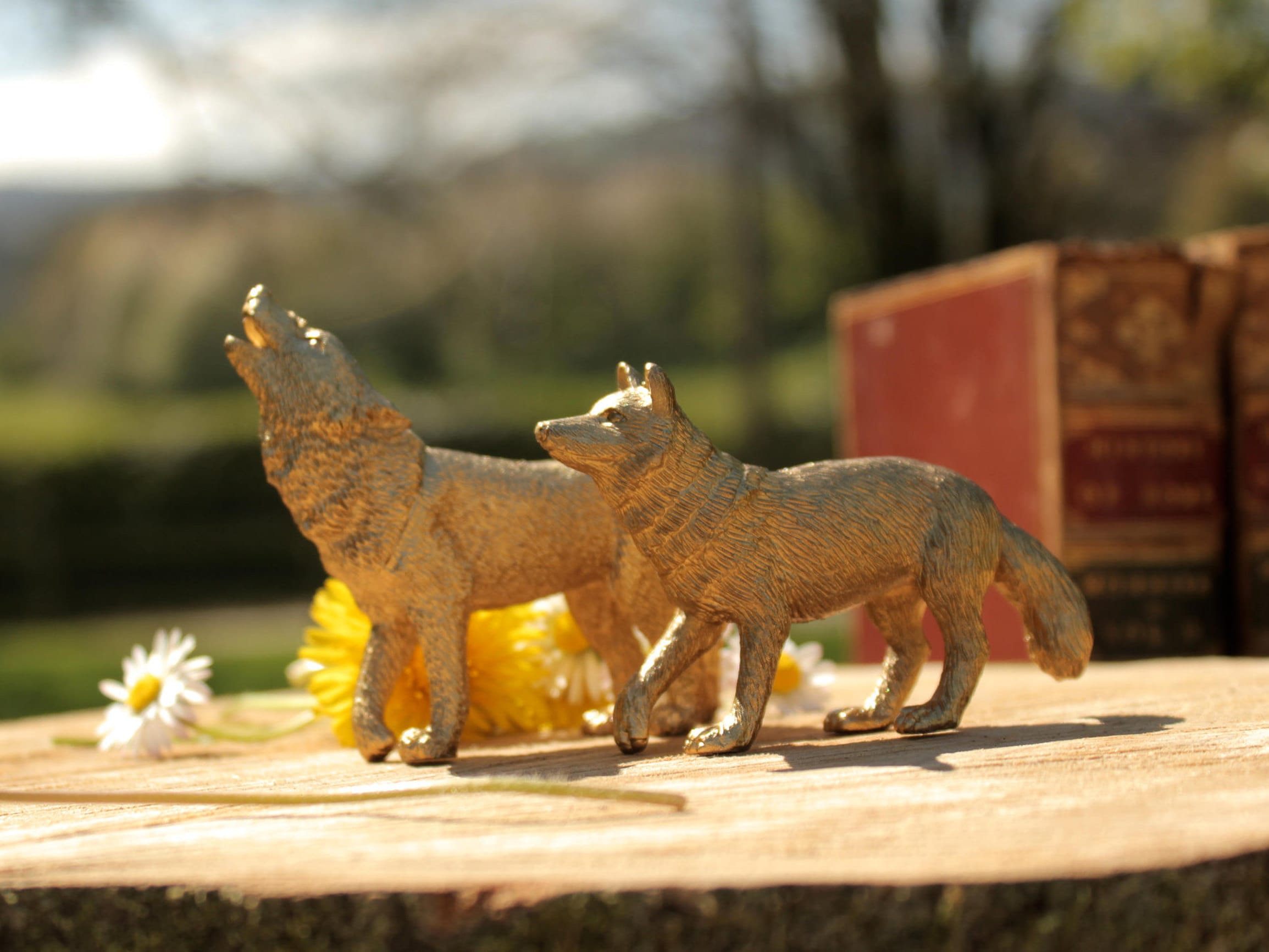 Gold Wolf Pack Wedding Cake Topper Centrepiece Decoration Prop