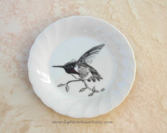 Hummingbird Birthday Gift Mothers Day Gift Bird Lover Gift Hummingbird Art Animal Lover Gift Decorative Plate Hand Painted Plate Home Decor
