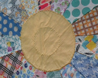 Absolutely Charming 1930s Dresden Plate Quilt | Classic 1930s Colors and Hand Quilted Long Ago