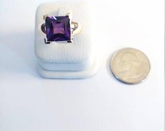 Vintage Gold Tone Purple Stone Ring,size 7