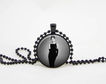 hepburn pendant, audrey necklace,hepburn necklace,audrey hepburn quote,audrey jewelry,paris necklace, audrey pendant, audrey hepburn party