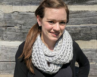 Chunky Infinity Scarf/Cowl - Light Gray