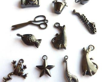 Set of 11 pendants mixed gunmetal DY020 L2