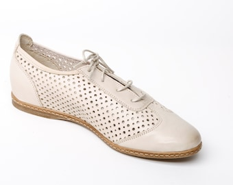 Women's Leather oxford flat shoes, womens beige flats, sewn sole, rubber sole shoes, elegant pure leather beige shoes, gift for her
