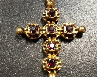 Arlésienne Garnet gold cross