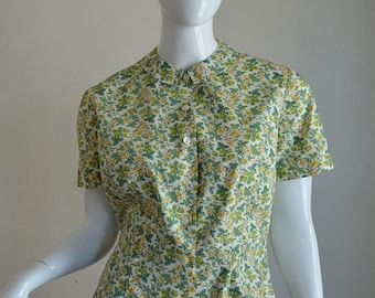 """SUMMER SOLSTIC SALE 1960s Green & Yellow Floral Print Cotton Blouse With Peter Pan Collar Bust 41"""""""