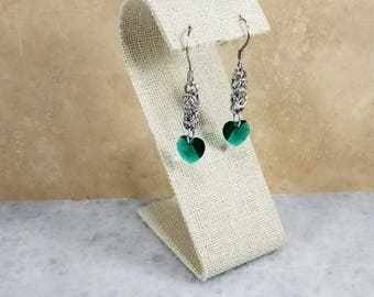 Chainmaille Earrings - Silver with Emerald Swarovski Hearts