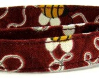 Red with Yellow Bumble Bees Cotton Adjustable Cat Collar