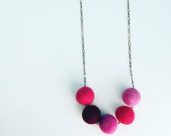 Southport Felt Necklace - Berry