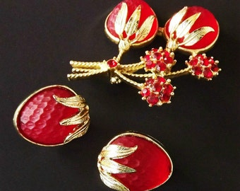 Vintage Brooch Earring Jewelry Set Red Rhinestones Signed Sarah Coventry Retro 1950 Costume Jewelry