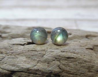 Dainty Labradorite Earrings, Flashy Labradorite Stud Crystal Earrings, Gemstone Stud Earrings, Bohemian Jewelry, Green Labradorite Earrings
