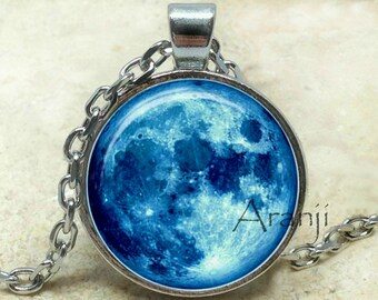 Moon pendant, full moon pendant, blue moon pendant, blue moon necklace, moon necklace, moon jewelry, blue moon, moon, Pendant #SP172P