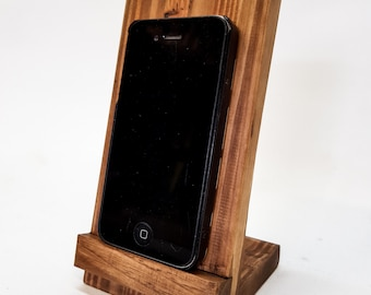 Pallet wood smartphone stand