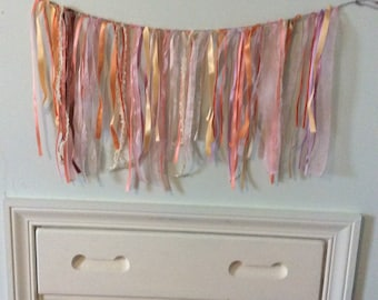 Peachy Pink Garland
