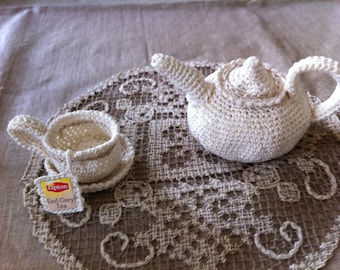 teapot and Cup crocheted ecru cotton