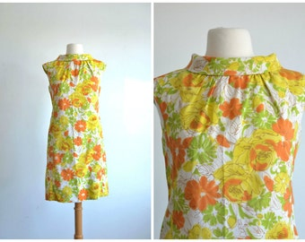 60s Vintage Mini Dress MOD Floral Print Shift Dress - small