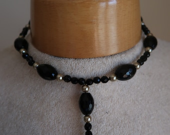 Vintage choker necklace ,jet black beads and pearls