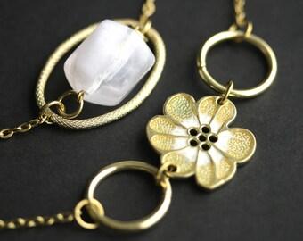 Eyeglass Chain or Badge Necklace. Flower Lanyard. Gold and White Eyeglass Holder. Gold Lanyard. Eyeglass Necklace. Beaded Lanyard.