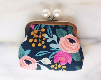 Coin Purse - Linen Canvas - Coin Purse With Knobs - Handmade - Navy Floral