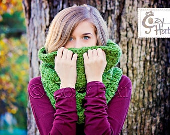 Hooded Cowl / Hooded Scarf / Crochet Cowl / Snood Hood / Chunky Cowl / Custom Color // Sasha Large //