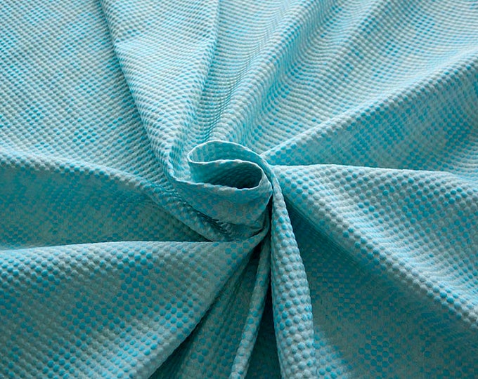 990061-144 Brocade, Co 53%, Pl 37, Pa 10, Width 140 cm, manufactured in Italy, dry cleaning, weight 279 gr, price 1 meter: 57.41 Euros