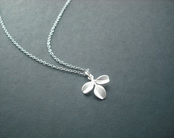 Sterling Silver chain - tiny leaf necklace