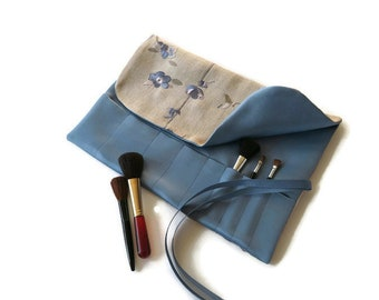 Makeup Brush Roll Blue Floral Embroidered Cosmetic Organizer Beauty Gift Travel