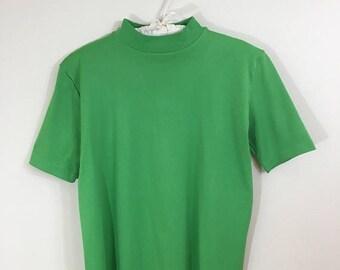 30% Off Sale 70s Green Mock Neck Short Sleeve Back Zip Nylon Top, Medium