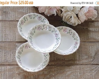 ON SALE Vintage Canonsburg Queen's Rose Dessert Bowls Set of 4 Cottage Style Tea Party Bowls for Wedding Ca. 1940s