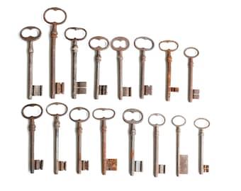 Lot of 16 antique French large keys, 1930s / cottage, shabby chic, country, boho, France, skeleton, large key