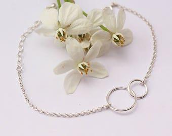 Mother's day gift - Two Entwined Tiny Circles - Sterling Silver Bracelet - Eternity bracelet -  interlocking link - Karma bracelet -infinity