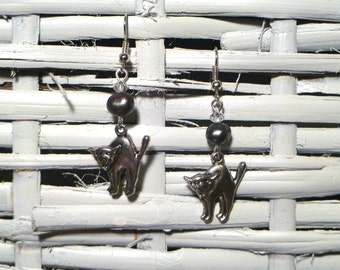 Creepy! Silver Plated Kitty Cat Earrings with Freshwater Tahitian Pearls - Perfect for Halloween
