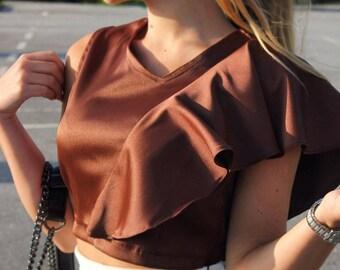 Frilled shoulder detail croped blouse