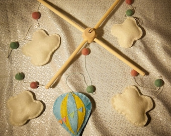 Hot Air Balloon & Bunting Mobile Kids Room Baby Nursery 100% Hand Cut and Hand Sewn Baby Mobile hand crafted felt
