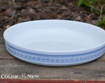 Vintage Pyrex Brittany Blue Round Tart Pan = Blue and White