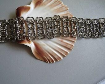 Bracelet, filigree bracelet, floral motifs, filigree jewelry, arm jewellery, flower ornamented, wide yet filigree, fashion jewelry