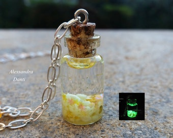 Glow in the dark necklace ''Stardust'' Color: Yellow
