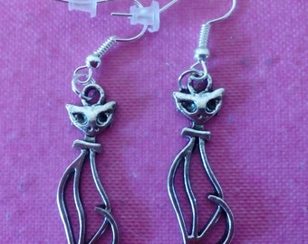 earrings to choose: cat, Tiger, Crow or Parrot