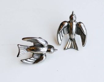 1940s Coro silver swallow screw backs / 40s vintage designer silver plate birds screw back earrings / animal bird plated screw on earrings