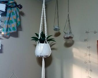 Macrame plant hanger, boho decor, hanging planter, rustic, cottage chic, boheme, jungalow
