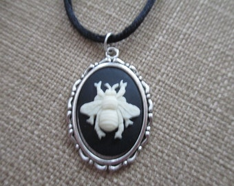 Cameo {Bee} Necklace Pendant