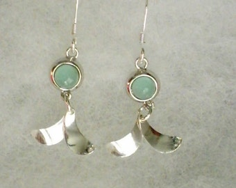 6mm Green Chalcedony Cabochon Gemstone in 925 Sterling Silver Dangle Earwire Earrings